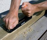 Obojručný hoblík na drevo a sadrokartón 257 mm EDMA